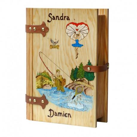 Grand Livre en bois personnalisable
